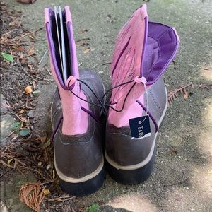 Faded Glory Shoes - girls mid rise boots